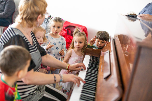 children in Tikvah music